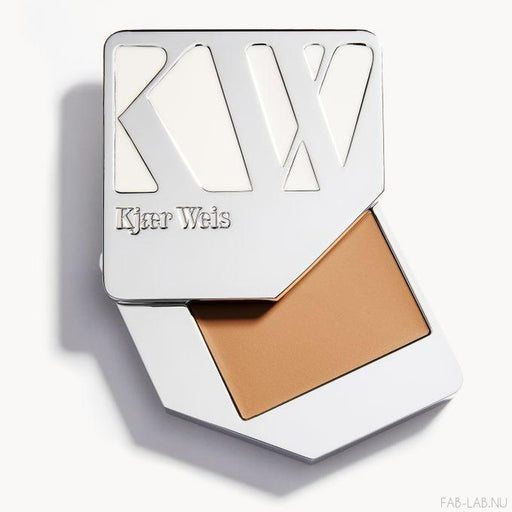 Cream Foundation - Illusion - Kjaer Weis | FABLAB AB