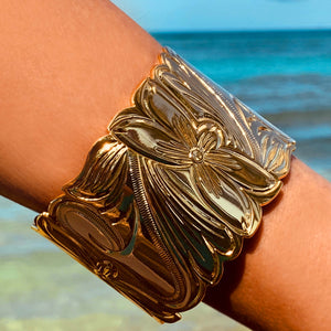 50MM Hawaiian Scroll Bracelet on Model