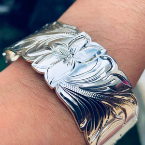 Hawaiian Scroll Bracelet in Silver Plate 28mm Closeup Model