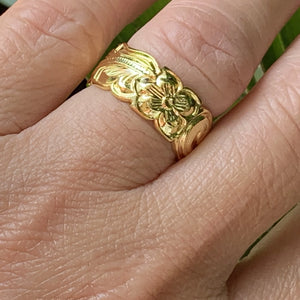 14K Gold Plated Hawaiian Scroll Unisex Band on model