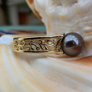Vintage Style Black Shell Pearl Maile Vine Ring