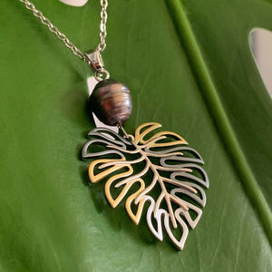Monstera Black Pearl Pendant