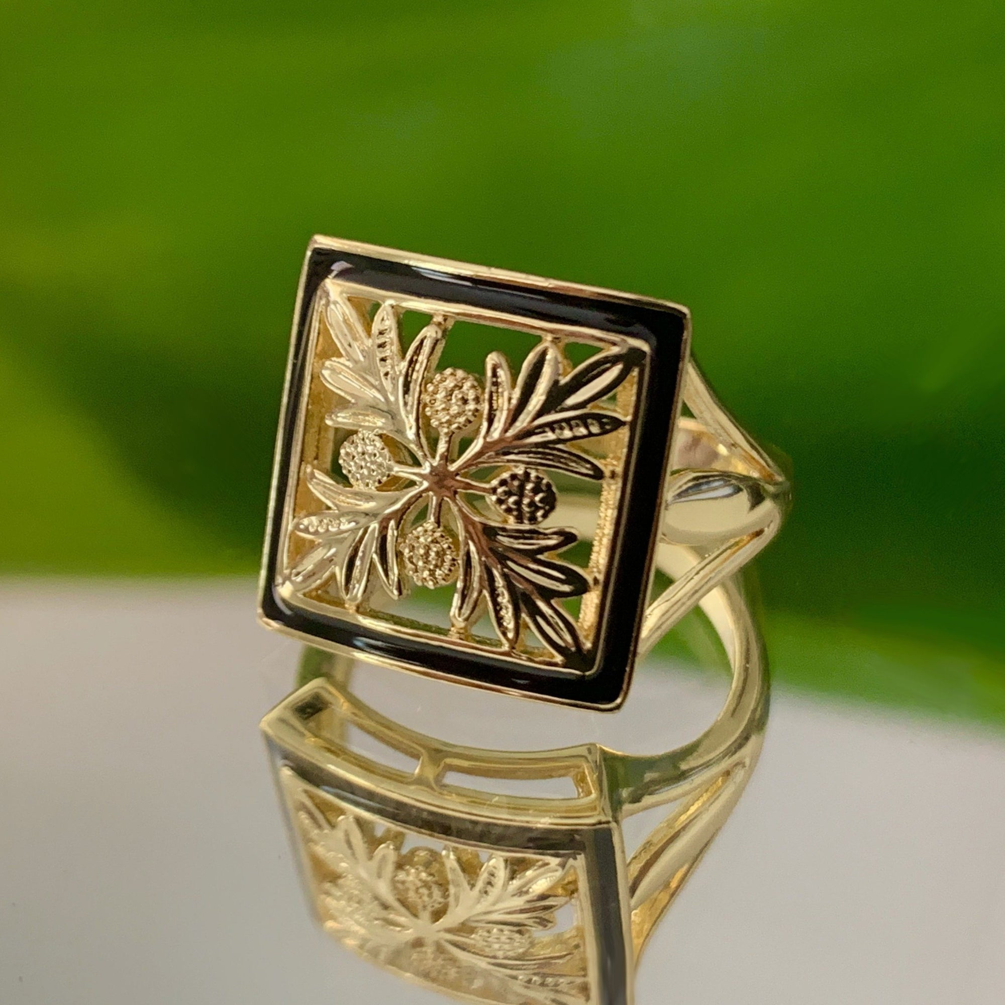 Hawaiian Pillow Quilt Jewelry Ring