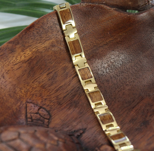 Koa Link Bracelet with Gold Plating Closeup on flat