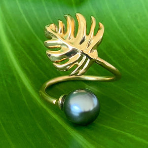 Monstera Leaf Black Shell Pearl Adjustable Ring