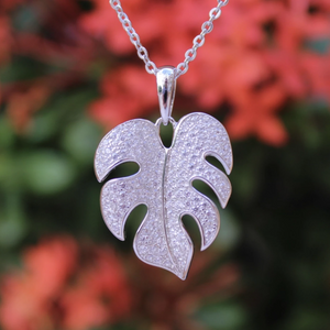Monstera Pave Pendant in Silver
