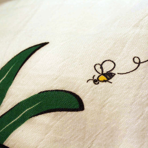Hawaiian Style Towels Bee Closeup
