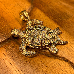 Solid 14K Gold Turtle close up