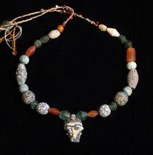 Load image into Gallery viewer, 01 Face bead necklace