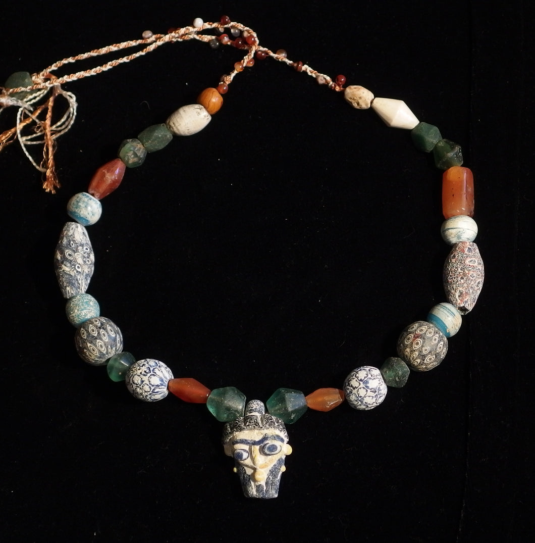 01 Face bead necklace