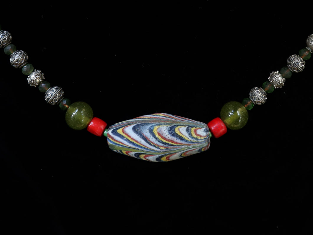 34 Pelangi bead centerpiece necklace
