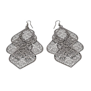 Chandelier Cutout Spades Dangle Earrings