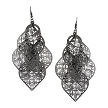 Load image into Gallery viewer, Chandelier Cutout Spades Dangle Earrings