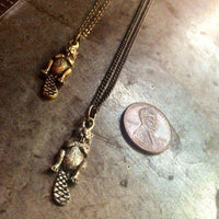 Tiny Beaver Necklace - Heyltje Rose Shop