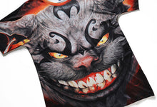Laden Sie das Bild in den Galerie-Viewer, Smiling Devil Shirt