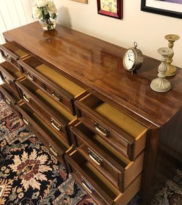 (SOLD) Gorgeous Vintage High-End Thomasville Preferred Edition Mid-Century Dresser/Media/Credenza/Entryway in Excellent Condition!! 67X31X18