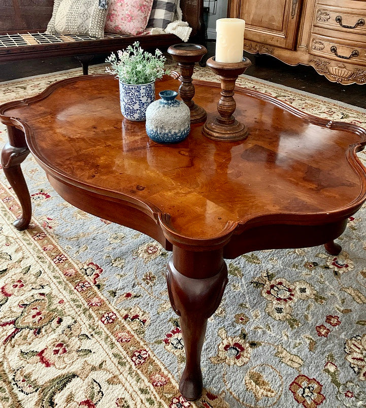 (SOLD) Gorgeous Vintage French Country Scalloped Coffee Table in Excellent Condition!! Beautifully Constructed and Heavy Duty. This is a Must Have BARGAIN BEAUTY!!!