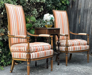 Gorgeous Pair of Vintage French-Victorian Louis XV Accent Chairs with Beautiful Design and Details!!