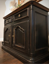 Load image into Gallery viewer, (SOLD) Gorgeous High-End Vintage Century French Country Buffet/Entryway/Coffee Bar/Media/Console (in wheels) with Beautiful Details!!