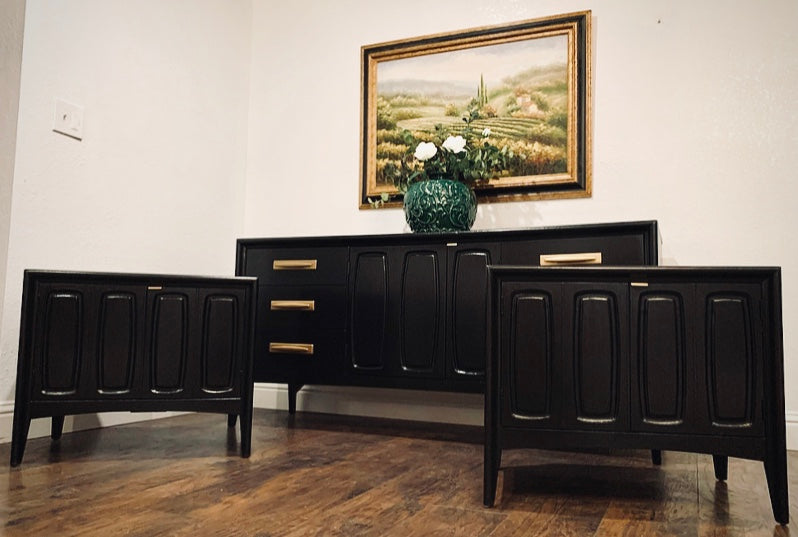(SOLD) Simply Beautiful High-End Broyhill Premier 3PC Danish Mid Century Modern Bedroom Set in Superb Condition. Perfect MCM for Minimalist indeed!!