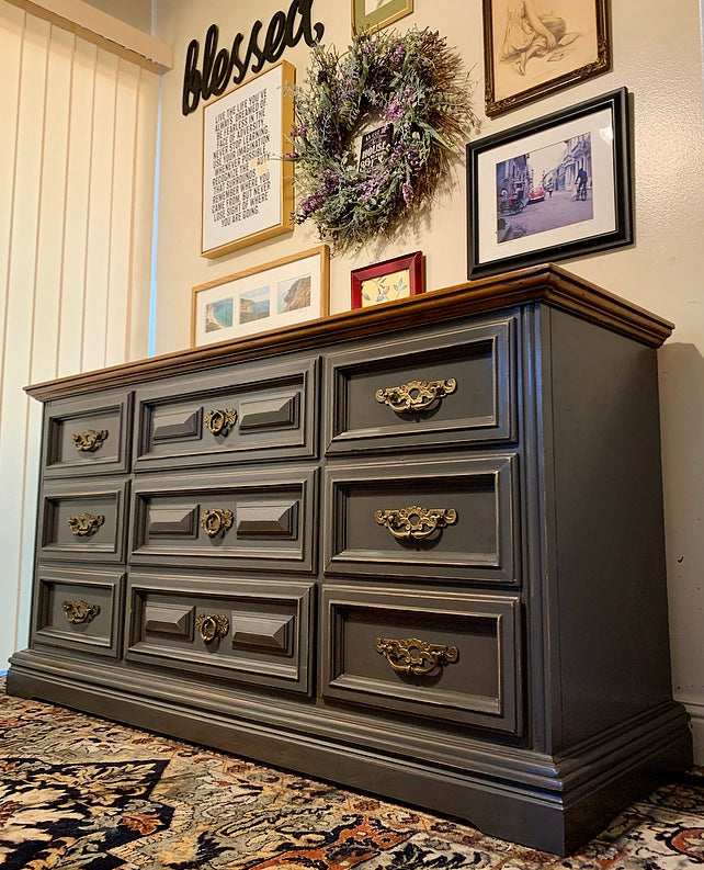 (SOLD) Dresser/Media/Entryway/Buffet/Credenza with Beautful Design and Original Hardware!!