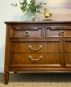 Stunner High-End Dixie Vintage French Regency Style Dresser/Entryway/Console/Media/Buffet with Gorgeous Design, Wood Grain and Original Hardware!!!