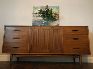(SOLD) STUNNER Danish Mid Century Modern Dresser/Media/Entryway/Credenza in Superb Condition!! Perfect BEAUTY for Minimalist and Wood Lover!!!