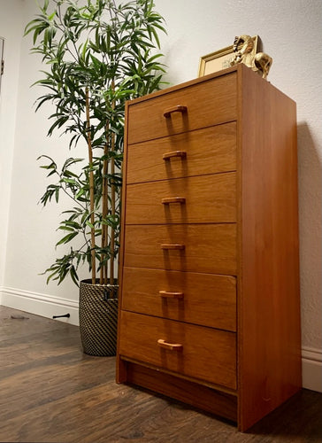 (SOLD) Simply Beautiful Danish Teak Mid Century Modern Chest of Drawers in Great Condition. Perfect Beauty for Minimalist indeed!!