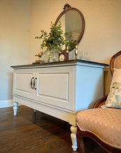 Load image into Gallery viewer, (SOLD) Simply Beautiful Modern Farmhouse inspired Entryway/Media/Console/Sofa Table in Excellent Condition. Perfect Clean Line Modern Farmhouse Piece indeed!!
