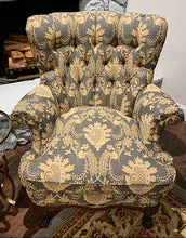 Load image into Gallery viewer, (SOLD) Gorgeous French Country Accent Chair in Superb Condition!! Perfect Decorative Chair any room in your Nest!!