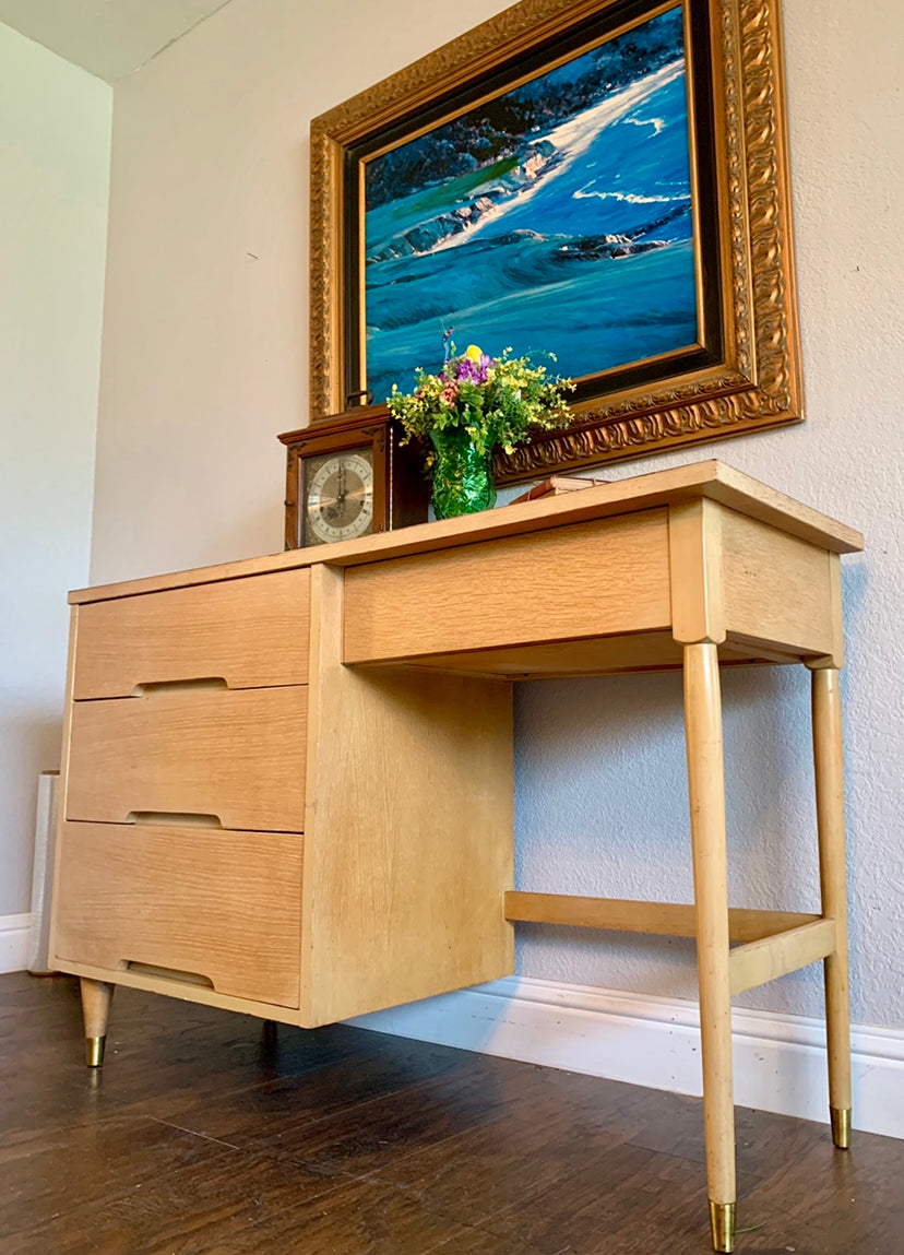 (SOLD) Gorgeous Blonde Danish Mid-Century Desk in Excellent Condition!! Perfect MCM Piece for Minimalist and Wood Lover!!!