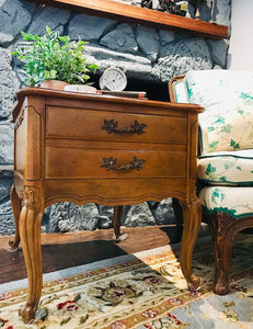 (SOLD) Gorgeous Set of Vintage French Country Side/End Tables/Nightstands in Excellent Condition!!