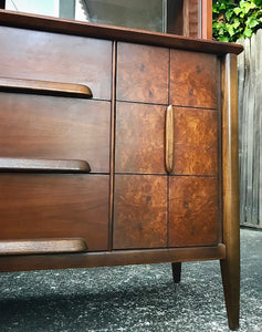 (SOLD) STUNNING High-End Stanley Mid-Century Modern Hutch/China/Display/Bookcase Cabinet!! 66H 54W 19D