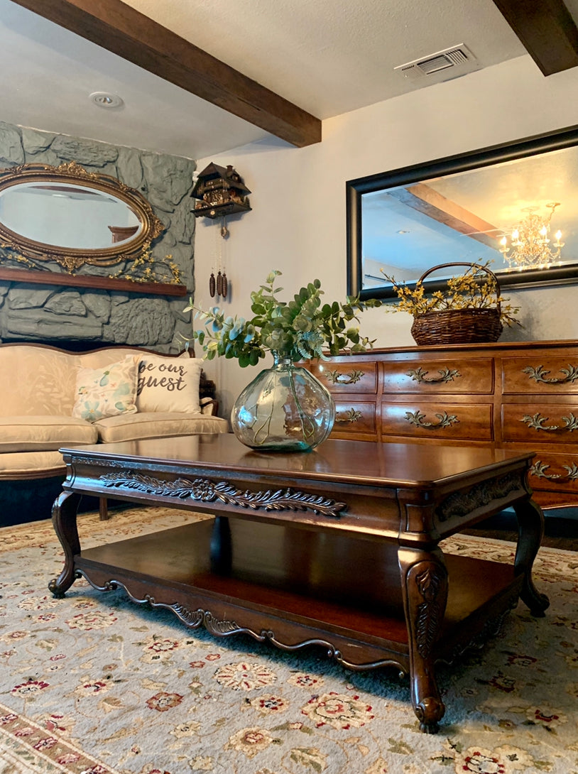 (SOLD) Gorgeous High-End French-Victorian Coffee Table with Beautiful Details and Superb Condition!! Perfect Statement Beauty for you Living Room indeed!!