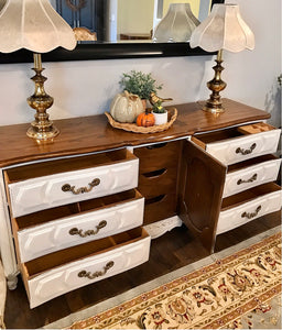 (SOLD) Gorgeous Vintage High-End XLarge Thomasville French Country Dresser/Media/Entryway/Buffet with Beautiful Details and Hardware!!