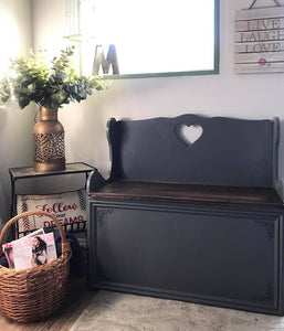 (SOLD) GORGEOUS Vintage Scalloped Entryway Bench/Decorative Bench 40H 19D (31H from buttom to seat)