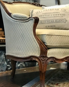 (SOLD) Gorgeous Vintage French Louis XV Style Settee with Beautiful Details. Perfect Piece in Living Room or Bedroom!! BEAUTY and CLASS!!