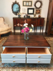 (SOLD) Gorgeous High-End Modern Farmhouse inspired Ethan Allen Large Coffee Table in Excellent Condition. It's a BEAUTY!! 48W 18H 30D