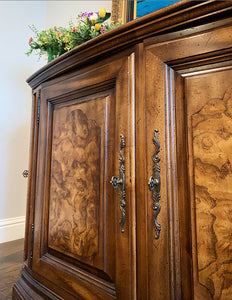 (SOLD) Gorgeous High-End Vintage Century Buffet/Credenza/Entryway/Media with Beautiful Burl Wood and Original Hardware!!