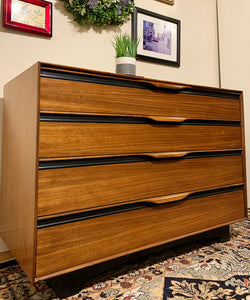 (SOLD) Simply Beautiful Mid Century Modern John Kapel for Glenn of California Chest of Drawers in Superb Condition. Perfect  Modern Piece for Minimalist and Wood Lover!!!