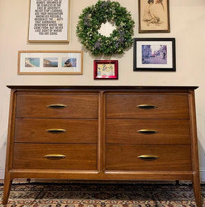 (SOLD) Simply BEAUTIFUL High-End Dixie Mid Century Modern Danish Dresser/Media/Entryway/Console/Sofa Table/Buffet in Superb Condition!!