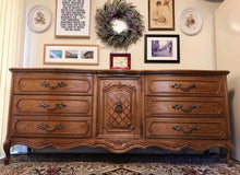 Load image into Gallery viewer, (SOLD) Gorgeous Vintage High-End Thomasville XLarge French Country Dresser/Media/Buffet/Console/Entryway with Beautiful Details and Hardware!!