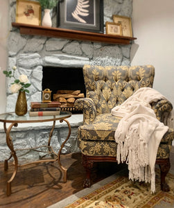 (SOLD) Gorgeous French Country Accent Chair in Superb Condition!! Perfect Decorative Chair any room in your Nest!!