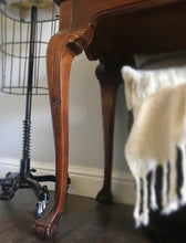 Load image into Gallery viewer, (SOLD) Gorgeous Vintage French-Victorian Clawfoot Legs Entryway/Desk/Sofa Table with Beautiful Details and Excellent Condition!!! 50X29X18