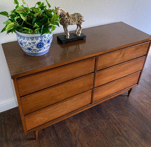 (SOLD) Simply Beautiful Danish Mid Century Modern 6Drawer Dresser/Media/Entryway/Console/Buffet in Great Condition. Perfect Danish MCM for Minimalist and Wood Lover!!!