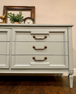(SOLD) Gorgeous Pottery Barn inspired Dresser/Entrywway/Buffet/Media in Excellent Condition. Perfect Style and Color that will surely BRIGHTEN UP your Nest!!