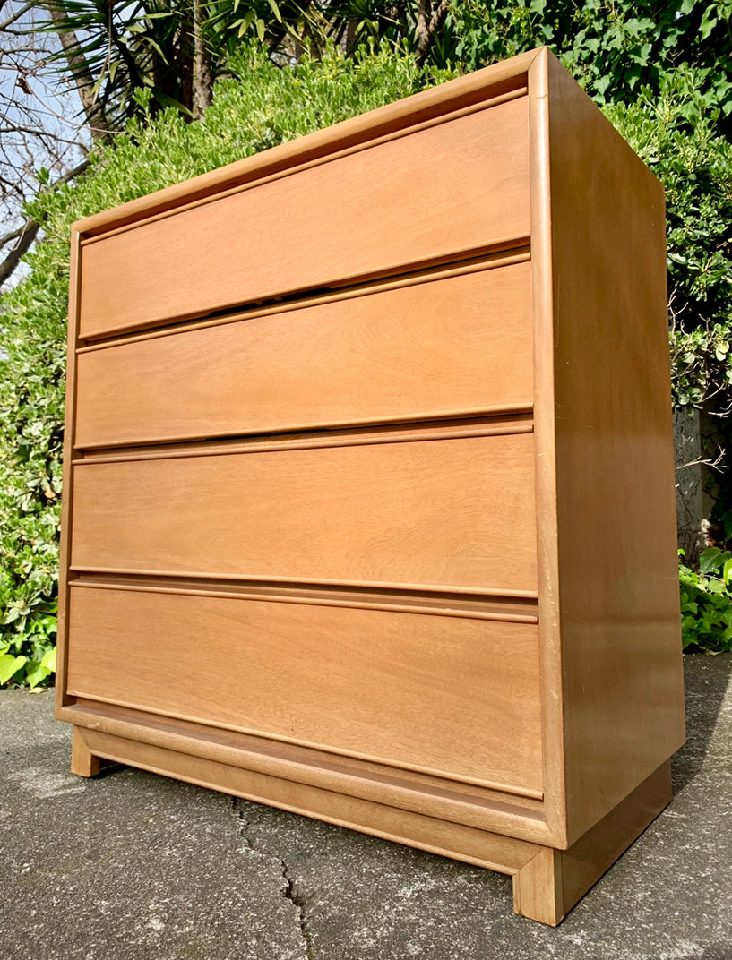 (SOLD) BEAUTY, CLEAN and SOLID!! Mid Century Modern Chest of Drawers-Dresser in Excellent Condition!! Perfect Clean Line Piece!!!