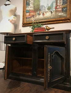 (SOLD) Gorgeous High-End Vintage Century French Country Buffet/Entryway/Coffee Bar/Media/Console (in wheels) with Beautiful Details!!