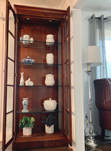 Load image into Gallery viewer, (SOLD) GORGEOUS High-End Henredon Lighted French Regency Display Cabinet in Excellent Condition. Perfect  Statement As-Is Piece any room in your Nest!!