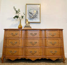 Load image into Gallery viewer, Gorgeous Vintage High-End Sherrill Triple Serpentine Semi-Blonde French Coutry Dresser/Media/Entryway/Sofa Table/Console/Buffet with Beautiful Original Hardware and Superb Condition!!